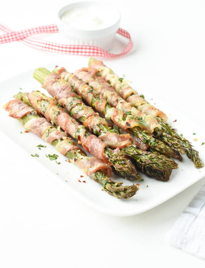Bacon wrapped asparagus in the oven