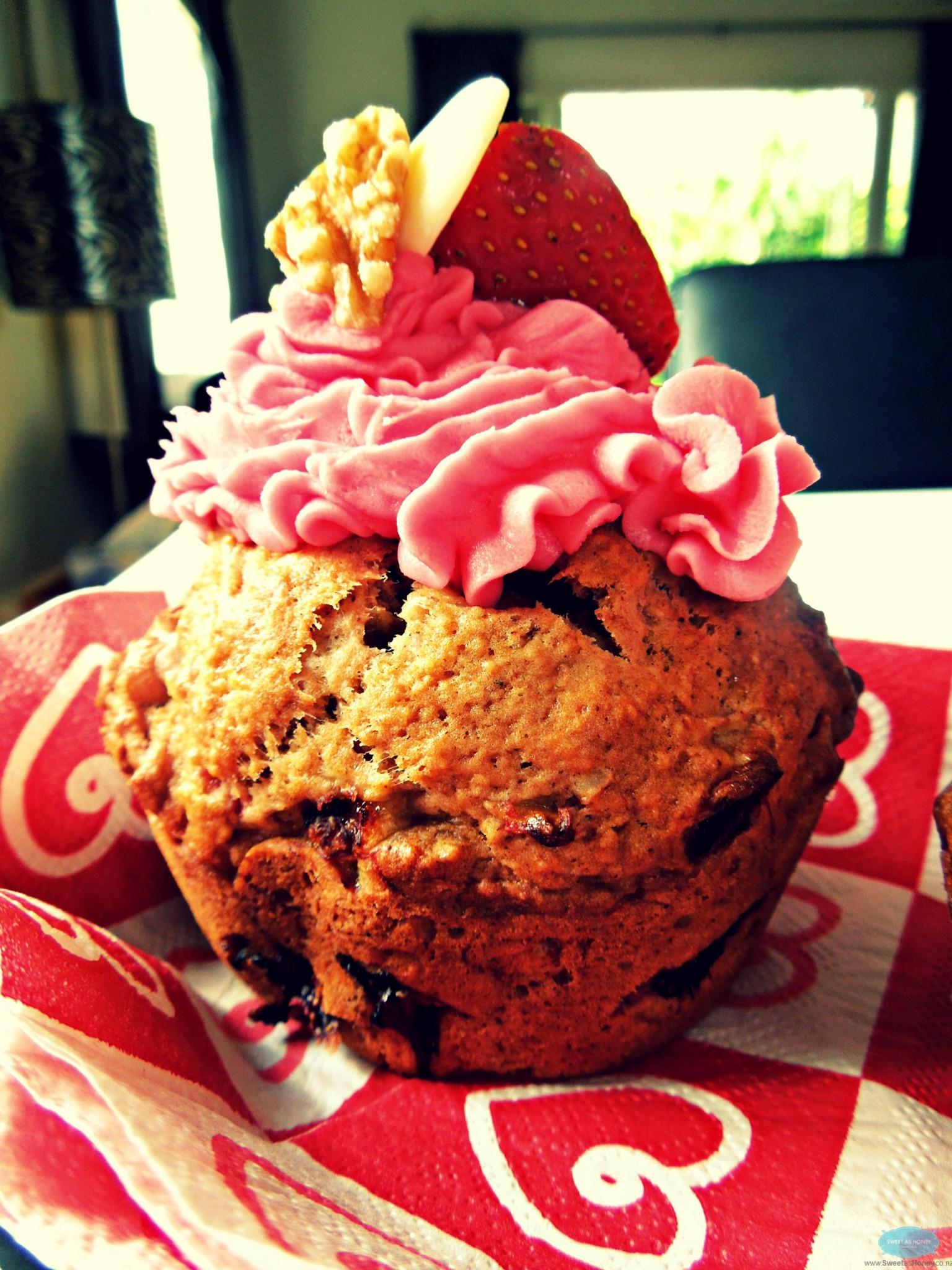 Strawberry White Chocolate Walnuts Muffins