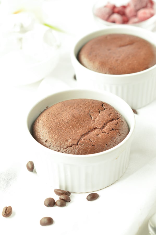THE BEST KETO LAVA CAKE in the oven with 1 g net carb per serve. #ketolavacake #ketodesserts #ketorecipes #ketocake #keto #chocolate #lavacake #lava #cake #glutenfree #lowcarb #easy #healthy