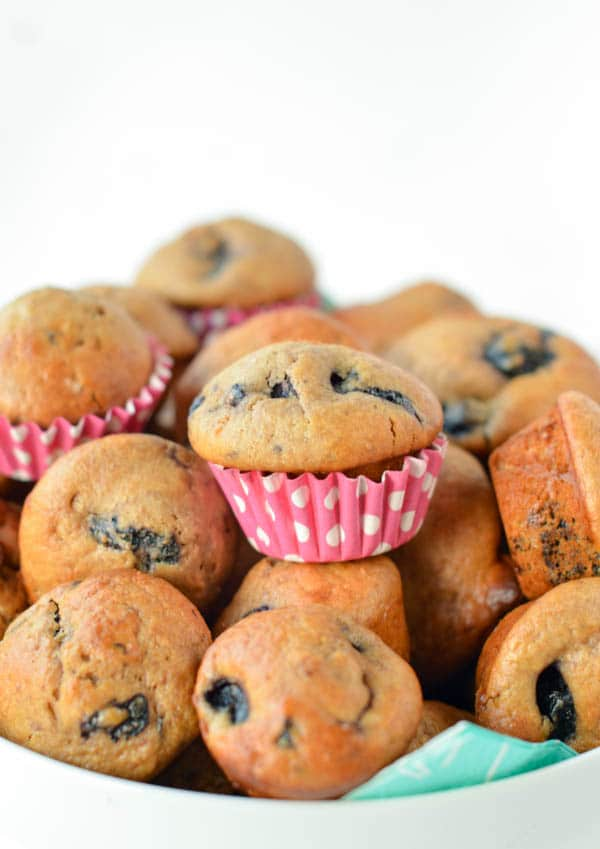 Easy Eggless Blueberry Muffins with yogurt using 100% dairy free coconut yogurt made from coconut cream. The best vegan homemade muffins with no refined sugar, coconut oil and almond milk. A moist blueberry muffin ready in less than 20 minutes. If you are not vegan the recipe works with any yogurt like soy or Greek yogurt (if not vegan).