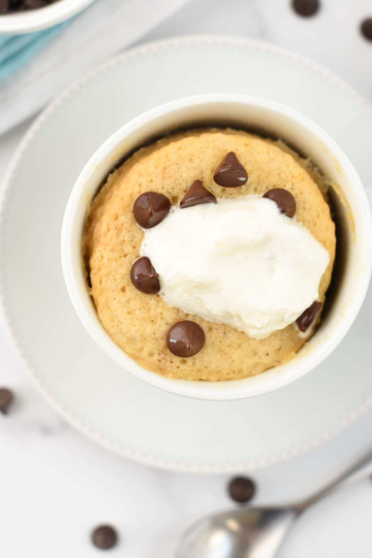 Keto Chocolate Chips Mug Cake Recipe