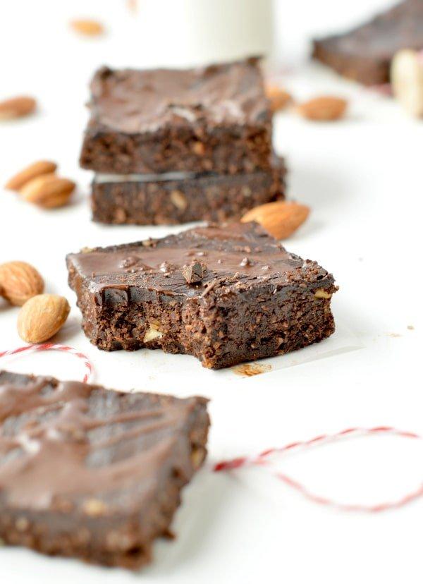 NO BAKE KETO BROWNIES 2.3 g net carbs Vegan + Healthy NO Dates #easy #nobakebrownies #rawbrownies #raw #vegan #nobake #healthy #brownies