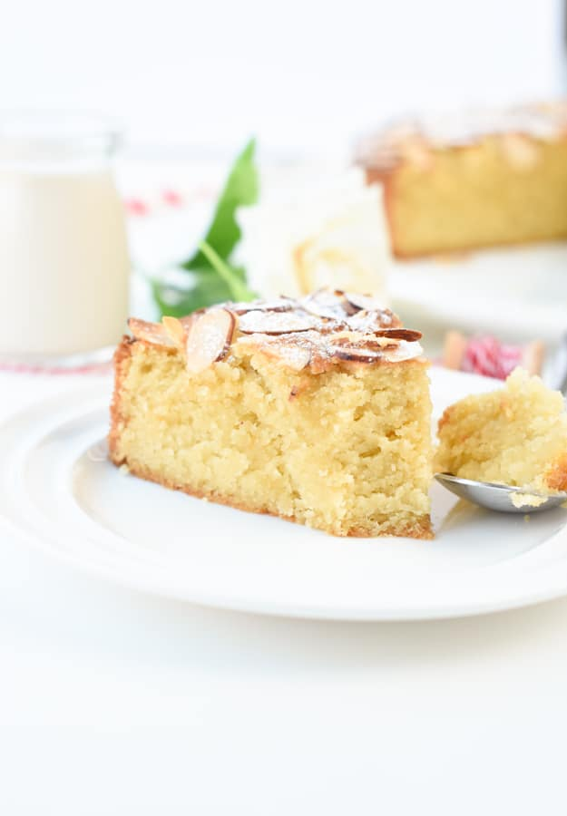 Keto butter cake with almond flour
