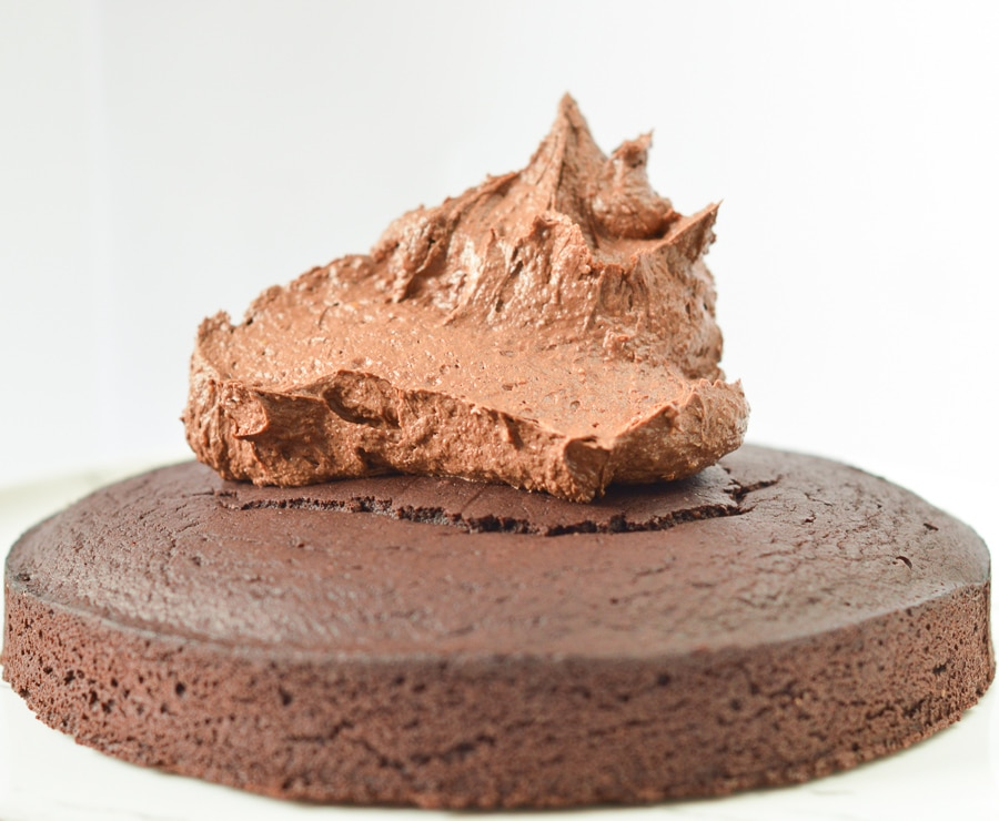 KETO CHOCOLATE FROSTING 0.8 g net carb, 100 kcal #ketofrosting #ketodessert #ketorecipe #ketochocolatefrosting #paleofrosting #easy #healthy #snack #fatbomb #5ingredients #paleo #glutenfree #almondbutter #butter
