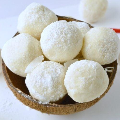 NO BAKE KETO COCONUT BALLS 1.2 g net carbs #nobake #keto #coconutballs #vegan #healthy #easy #5ingredients #fatbomb #videos #ketocookies #sugarfree #lowcarb