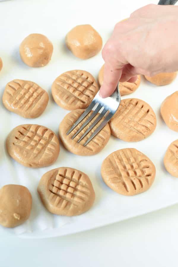 Vegan no bake peanut butter cookies