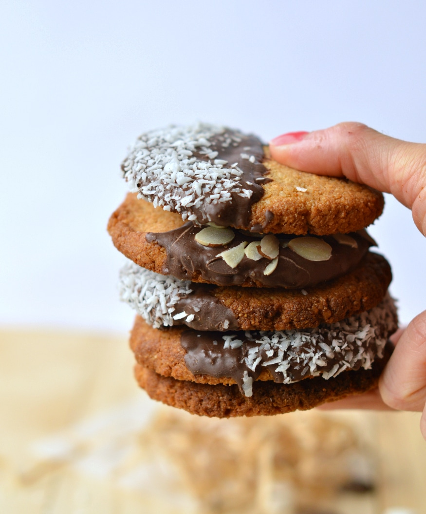 almond crunchy cookies