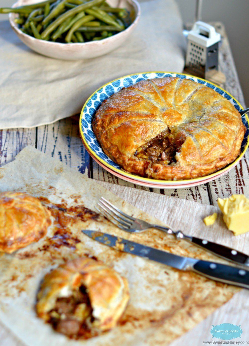 Steak Pie Easy Slow cooker recipe - Sweetashoney