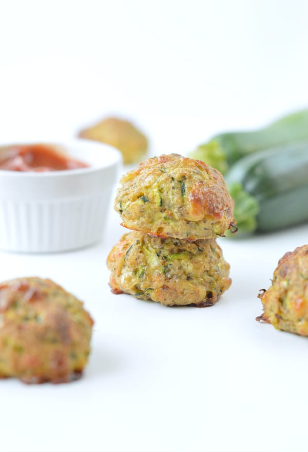 KETO ZUCCHINI CHEESE BALLS appetizers or snack with only 1.8 g net carbs #ketozucchiniballs #keto #zucchiniballs #zucchini #balls #glutenfree #snack #ketosnack #lowcarb #appetizers