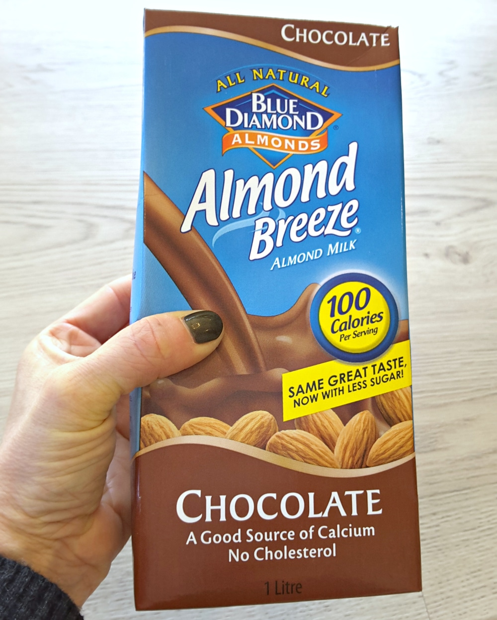 chocolate almond milk almond breeze