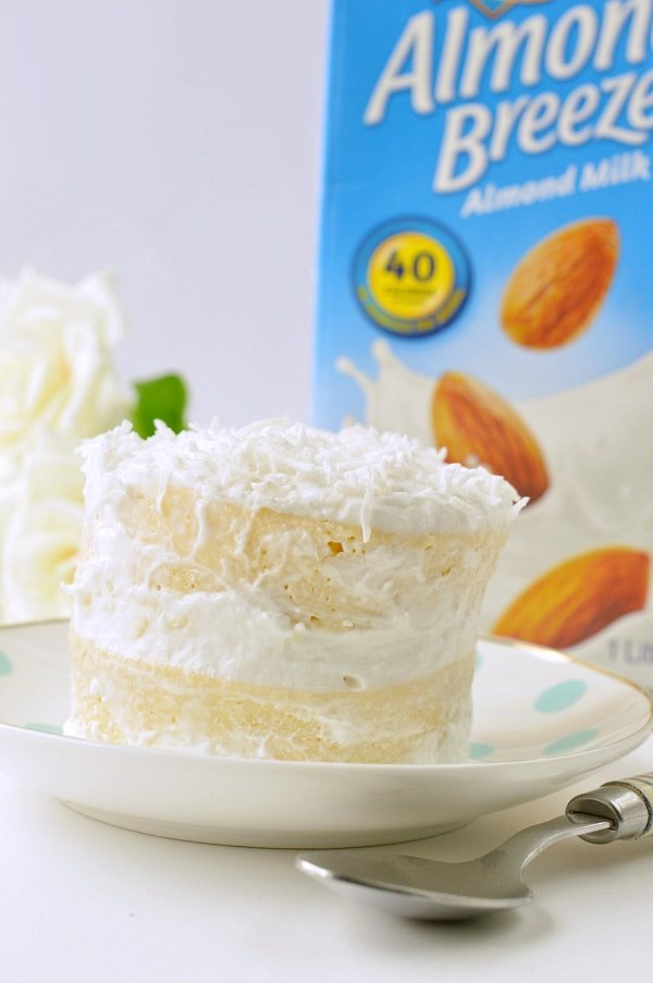KETO COCONUT FLOUR MUG CAKE easy, low carb, healthy a keto vanilla mug cake with coconut frosting 4.9g net carbs #ketomugcake #keto #coconutflourmugcake #coconutflour #ketorecipes #easy #healthy #lowcarb #paleo #coconut #vanilla #birthday #microwave #videos #90second
