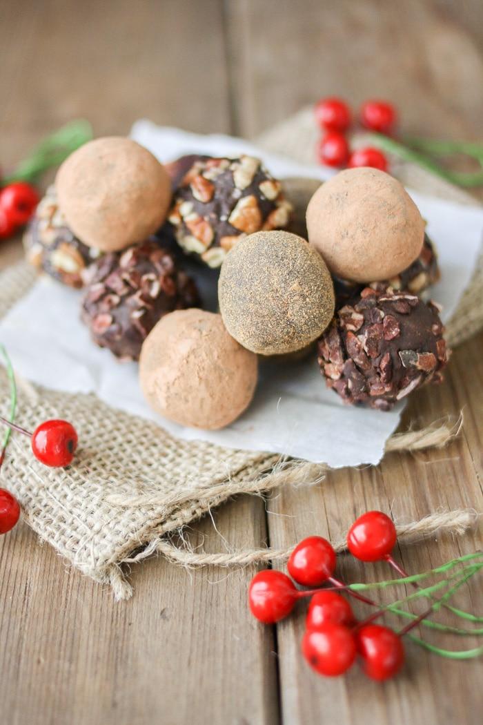 dark-chocolate-cranberry-crunch-truffles-41-1