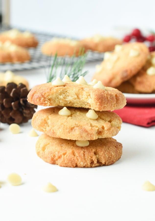 healthy white chocolate chip macadamia nut cookies
