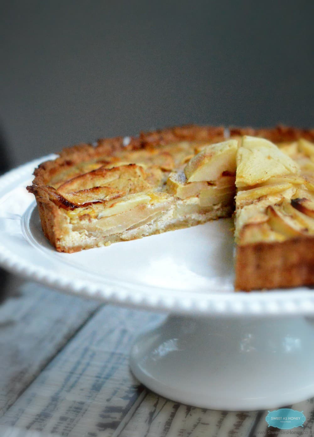 this paleo apple pie is the perfect apple pie for in integrate in your ...