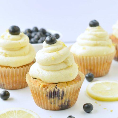 KETO LEMON CUPCAKES 4 g net carbs with almond flour #keto #ketocupcakes #cupcakes #lemon #buttercream #sugarfree #glutenfree #grainfree #ketobaking #ketodesserts #healthycupcakes #blueberry #almondflour #easy #coconutflour #moist