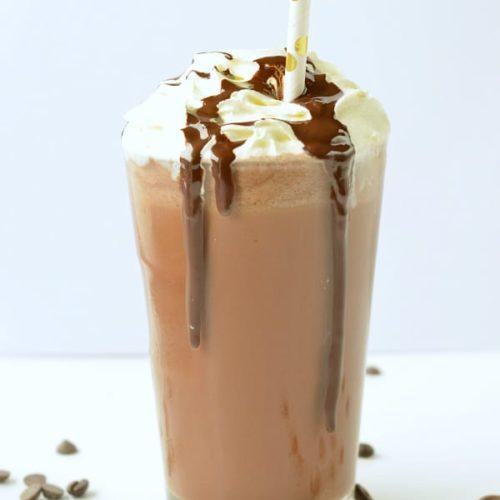 KETO CHOCOLATE FRAPPUCINO Easy, DIY almond milk frappucino, 3.8 G NET CARB grande size #keto #ketofrappucino #chocolate #frappucino #easy #sugarfree #healthy #lowcarb #paleo #copycat #paleo #vegan #dairyfree