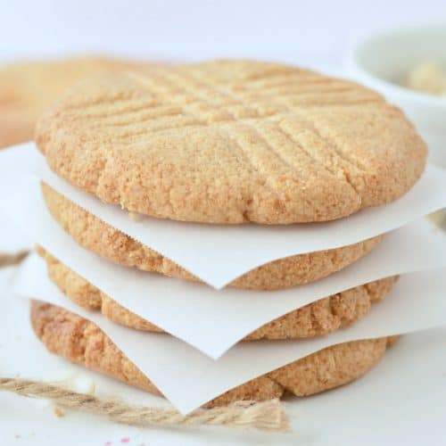 Low Carb peanut butter cookies almond four