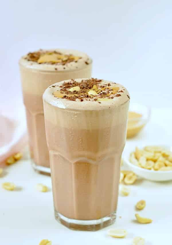 KETO PEANUT BUTTER SMOOTHIE an easy almond milk chocolate smoothie #ketopeanutbuttersmoothie #ketosmoothie #ketopeanutbutter #ketosmoothie #lowcarbsmoothie #chocolatesmoothie #lowcarb #smoothie #almondmilk #dairyfreesmoothie #dairyfree #almondmilksmoothie #smoothierecipes #healthysmoothies