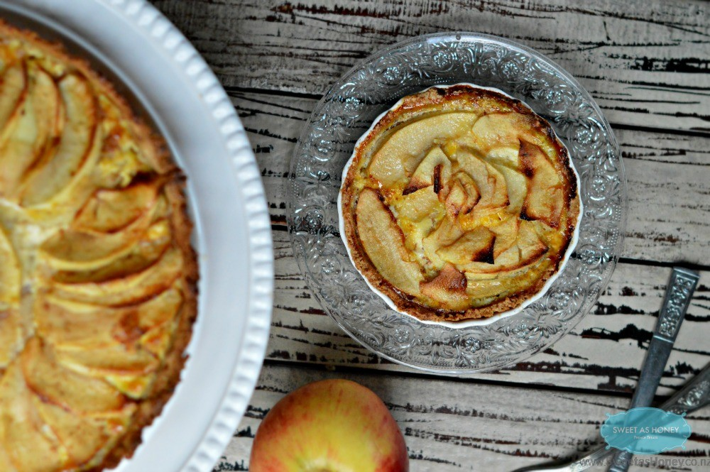 Paleo apple pie with cashew Almond Crust |Low Carb