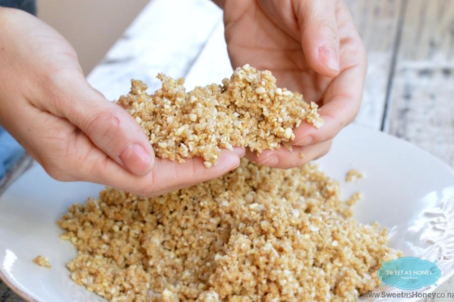 quinoa crumble cashew nuts
