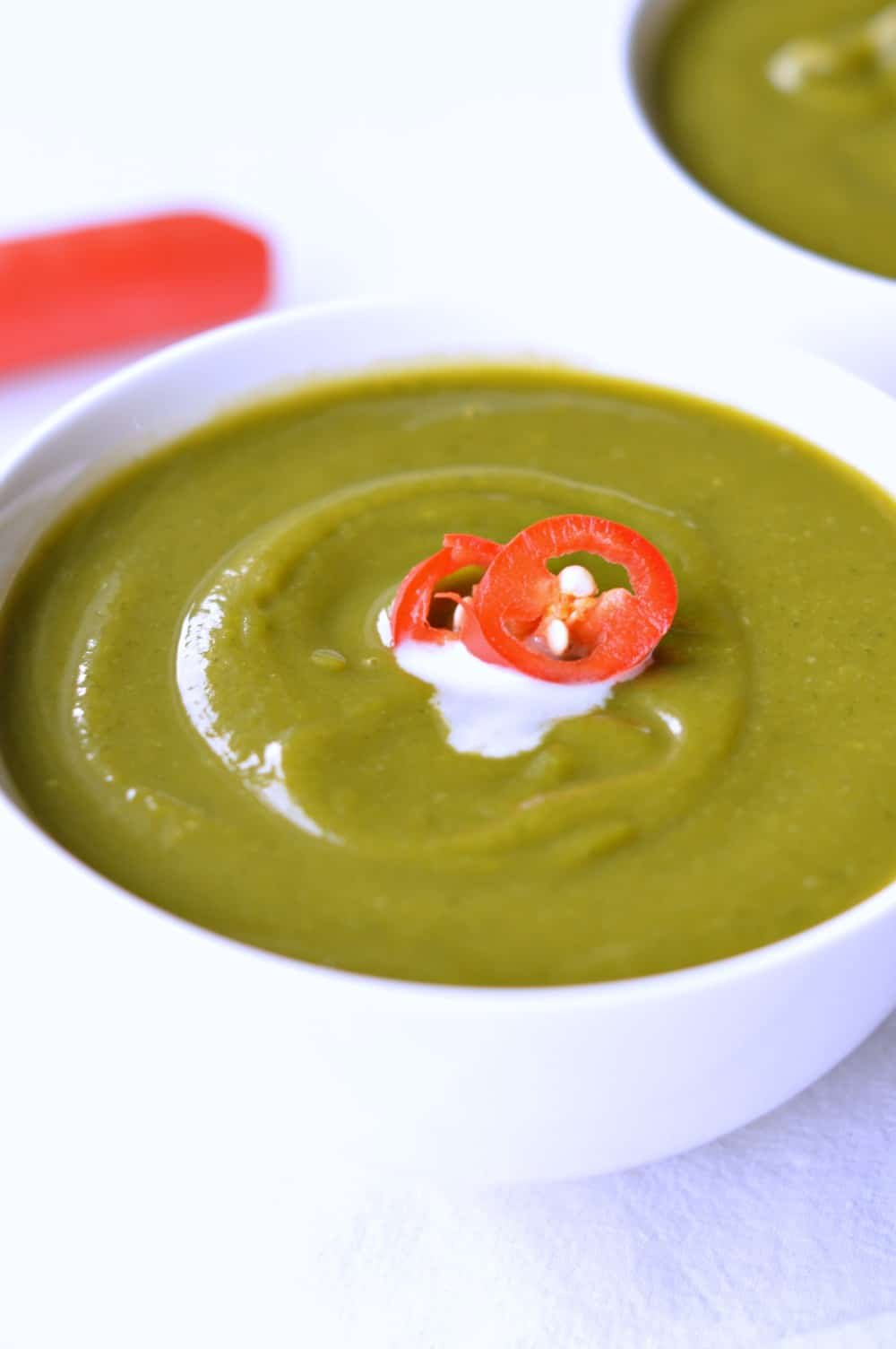 sweet potato spinach soup is an healthy creamy green soup made with 3 imple vegetables and ready in 20 minutes.