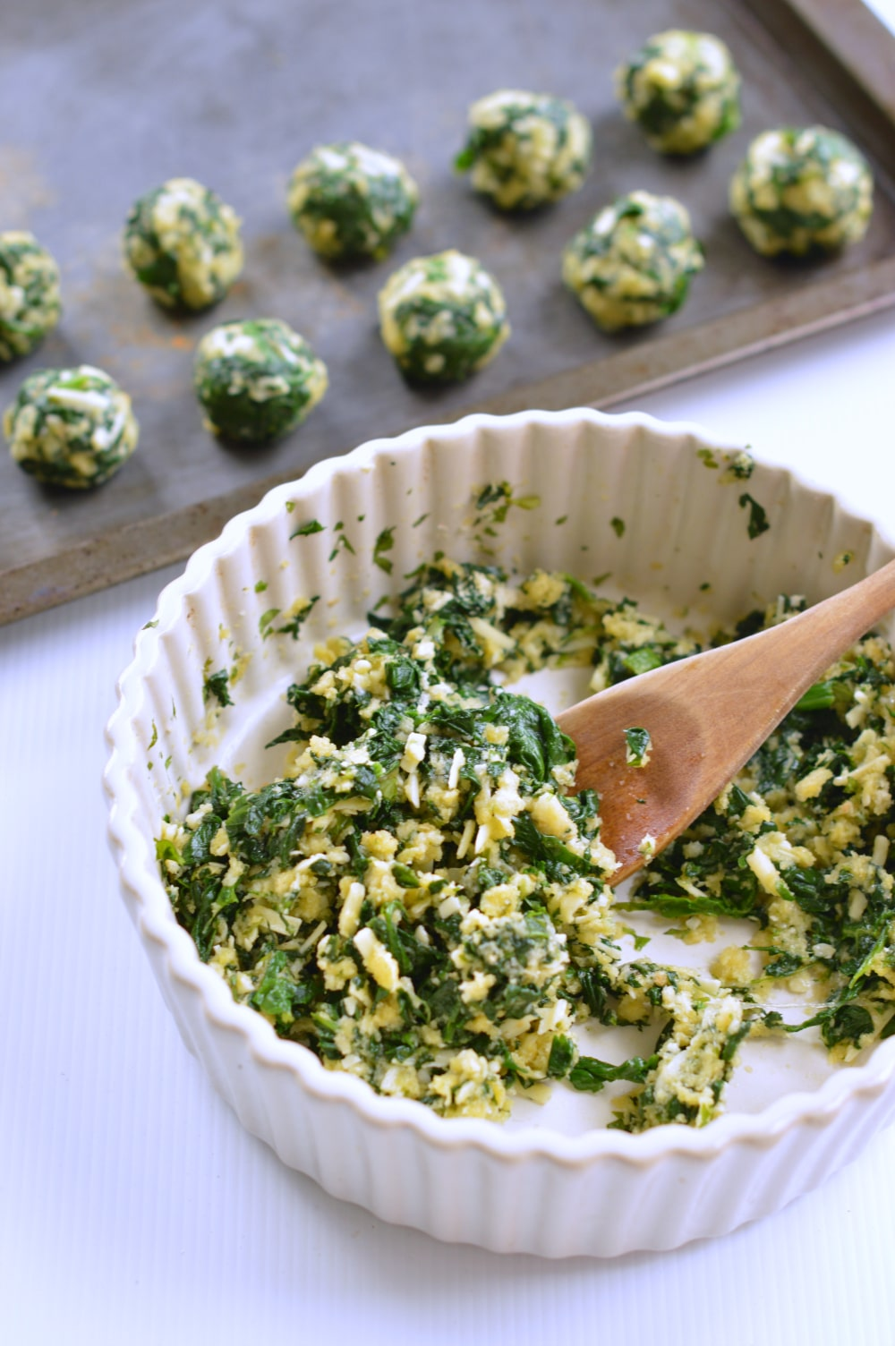 Spinach balls Healthy Appetizers - SWEETASHONEY