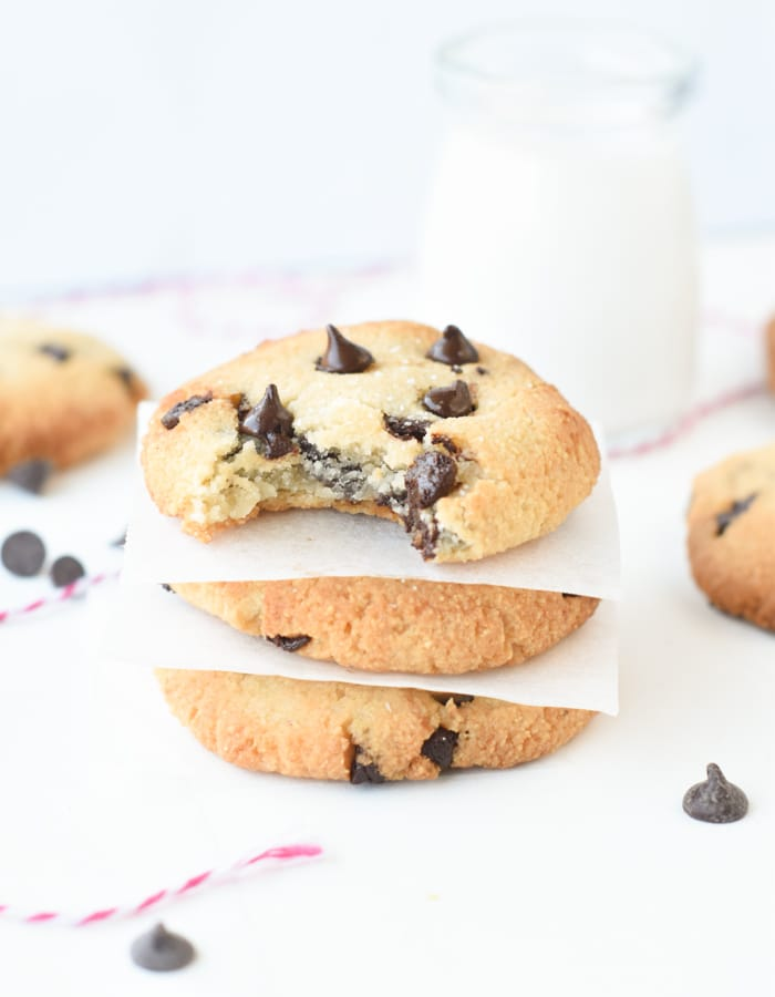 vegan keto chocolate chip cookies