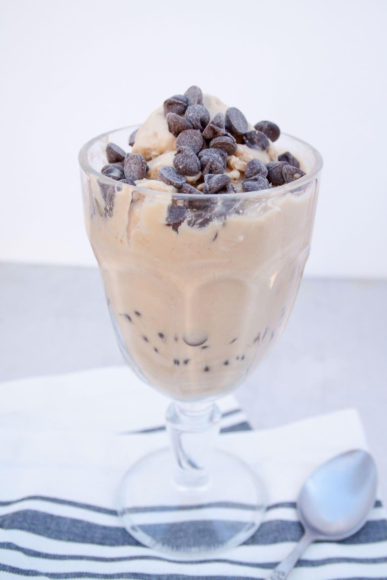 vegan-white-russian-ice-cream-vertical